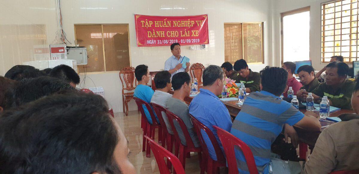 Tập huấn nghiệp vụ lái xe & vệ sinh an toàn lao động 092020 – Thuận Thành Phong (11)