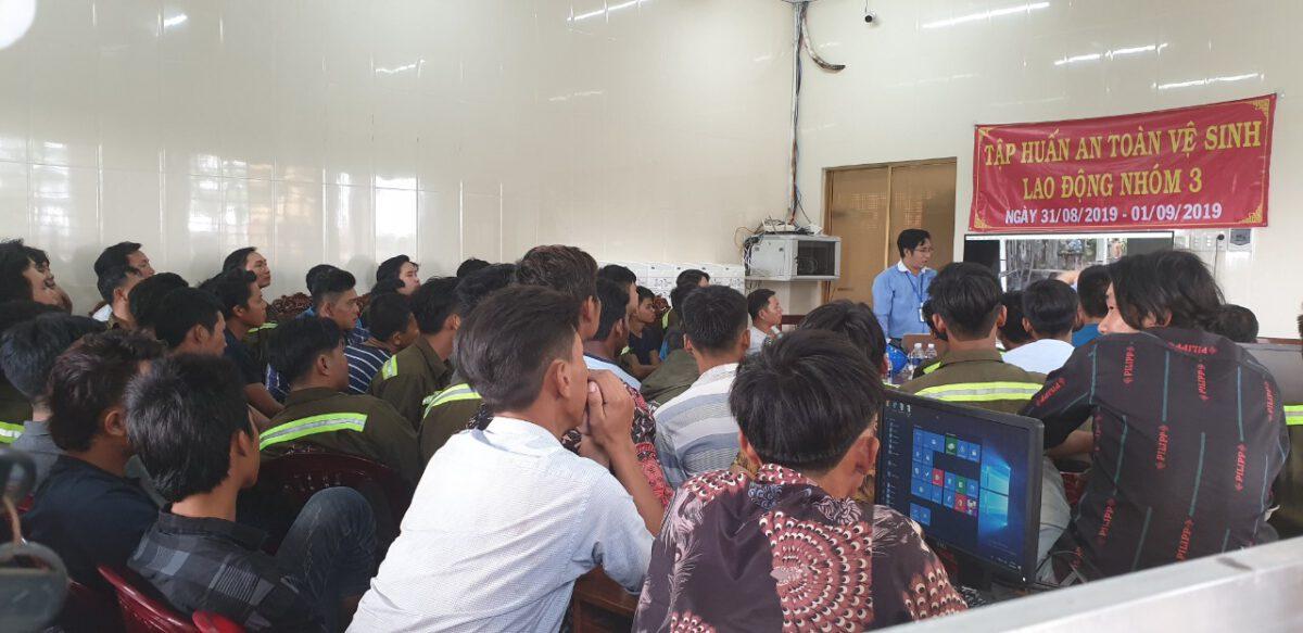 Tập huấn nghiệp vụ lái xe & vệ sinh an toàn lao động 092020 – Thuận Thành Phong (13)