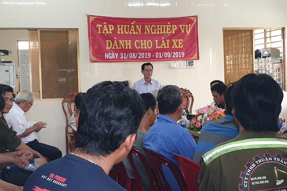 Tập huấn nghiệp vụ lái xe & vệ sinh an toàn lao động 092020 – Thuận Thành Phong (14)