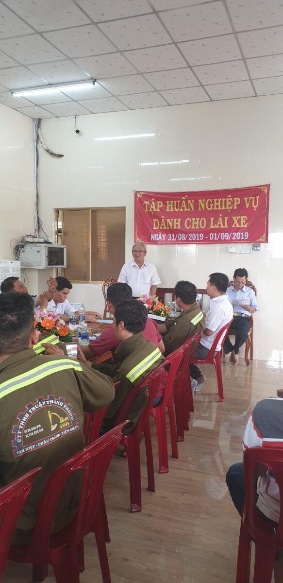 Tập huấn nghiệp vụ lái xe & vệ sinh an toàn lao động 092020 – Thuận Thành Phong (8)