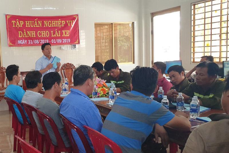 Tập huấn nghiệp vụ lái xe & vệ sinh an toàn lao động 09/2020 - Thuận Thành Phong